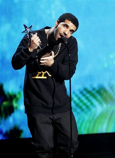 2011 BET Awards: Drake in Rihanna and Chris Brown Viewers' Choice Mix-Up
