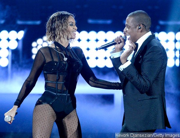 Video: Beyonce and Jay-Z Kick Off Grammys With Steamy Performance of 'Drunk in Love'