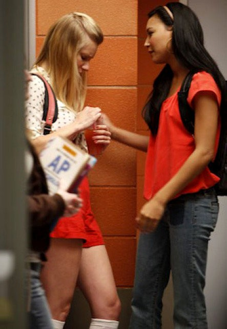 'Glee': Brittany and Santana to Make Out in Valentine's Day Episode