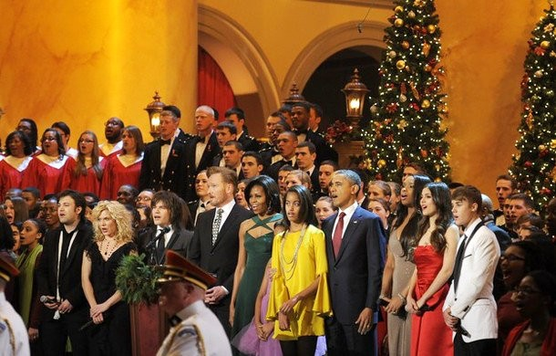 Justin Bieber Caroling With President Obama at 'Christmas in Washington' Concert