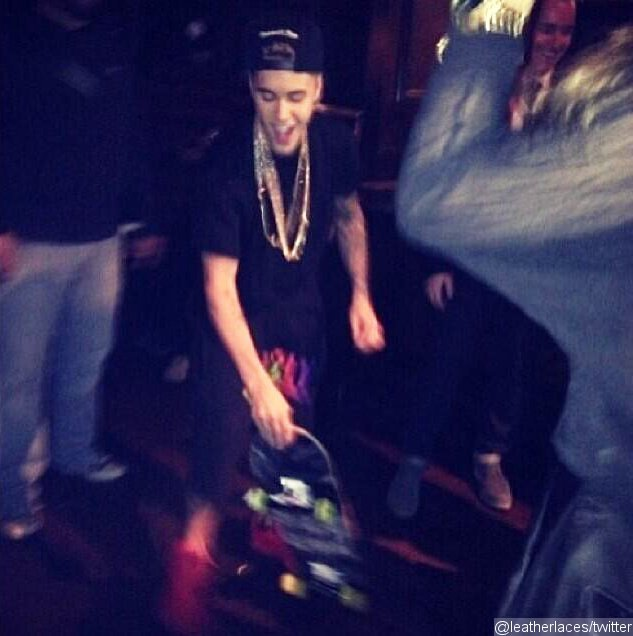 Justin Bieber Pictured Skateboarding at Super Bowl Party