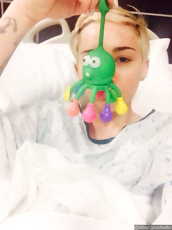 Miley Cyrus Tweeted Apology After Hospitalized for Allergy