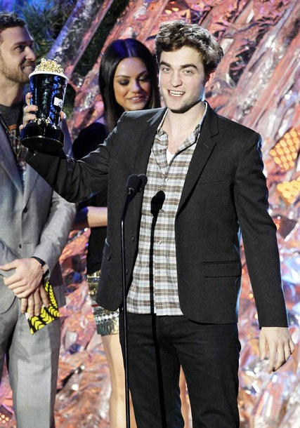 2011 MTV Movie Awards: Robert Pattinson and Justin Bieber Are Early Winners