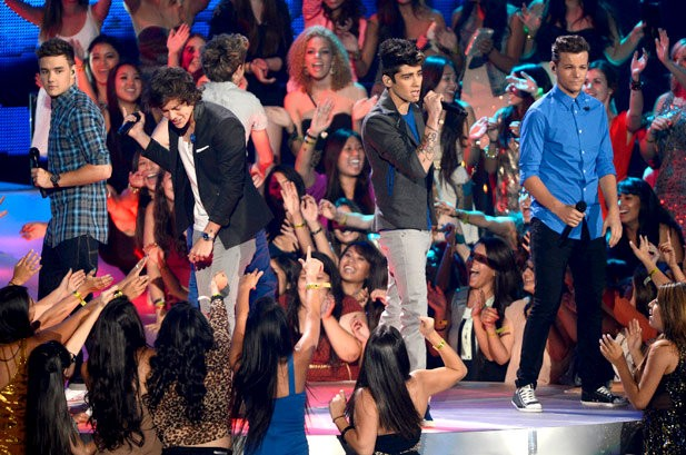 MTV VMAs 2012: One Direction Perform 'One Thing'