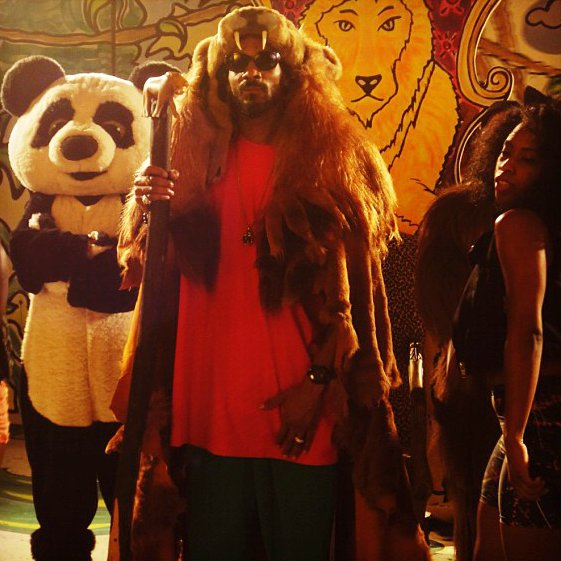 Video Premiere: Snoop Dogg's 'La La La'