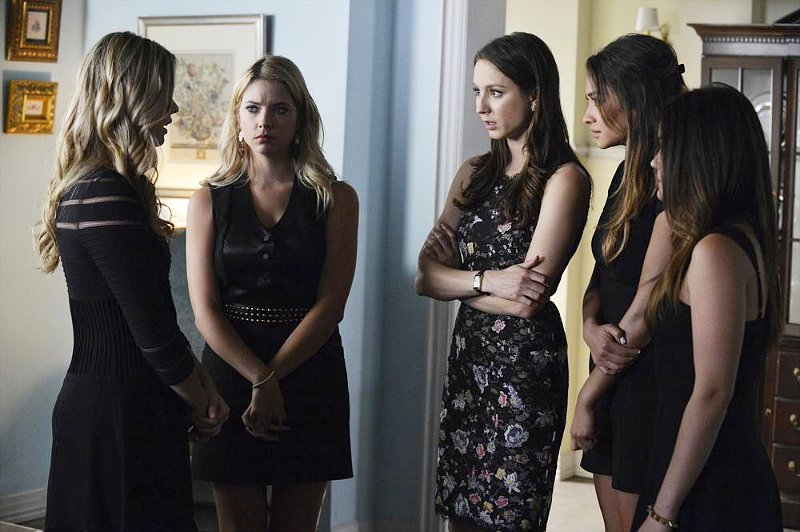 'Pretty Little Liars' 5.03 Preview Teases a Big Shocker