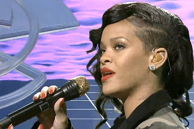 Rihanna Premieres New Single 'Stay' on 'Saturday Night Live'