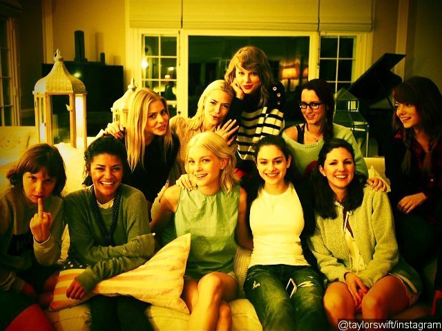 Taylor Swift Celebrates Fourth of July With Emma Stone and Lena Dunham