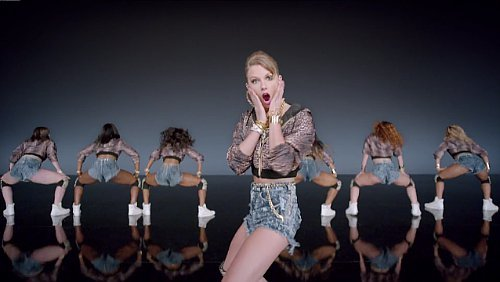Taylor Swift Dances Terribly in Music Video for 'Shake It Off' From New Album '1989'