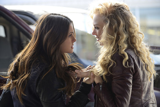 'The Vampire Diaries' 5.21 Promo: The Twins Are After Elena and Stefan