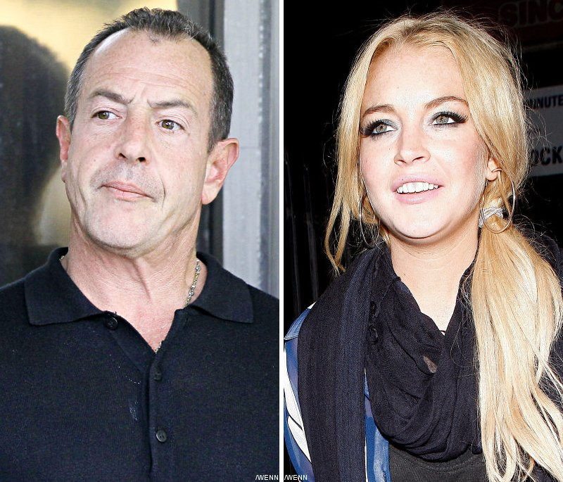 Estranged Father Vows to Support Lindsay Lohan During Her Jail Stint