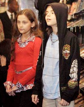 Michael Jackson's Children Enjoying First Day at School