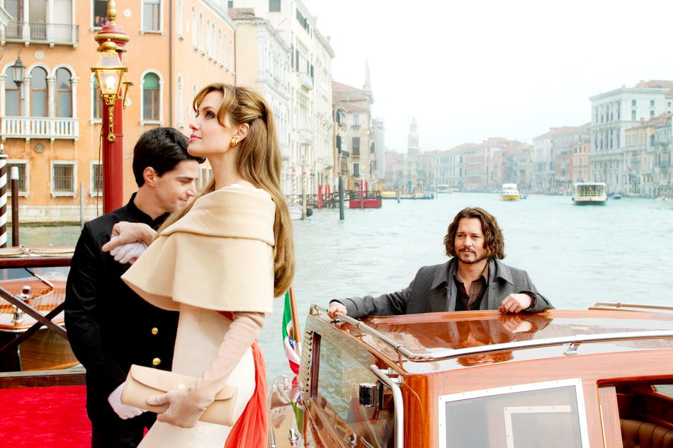 First Still From Angelina Jolie and Johnny Depp's 'The Tourist'