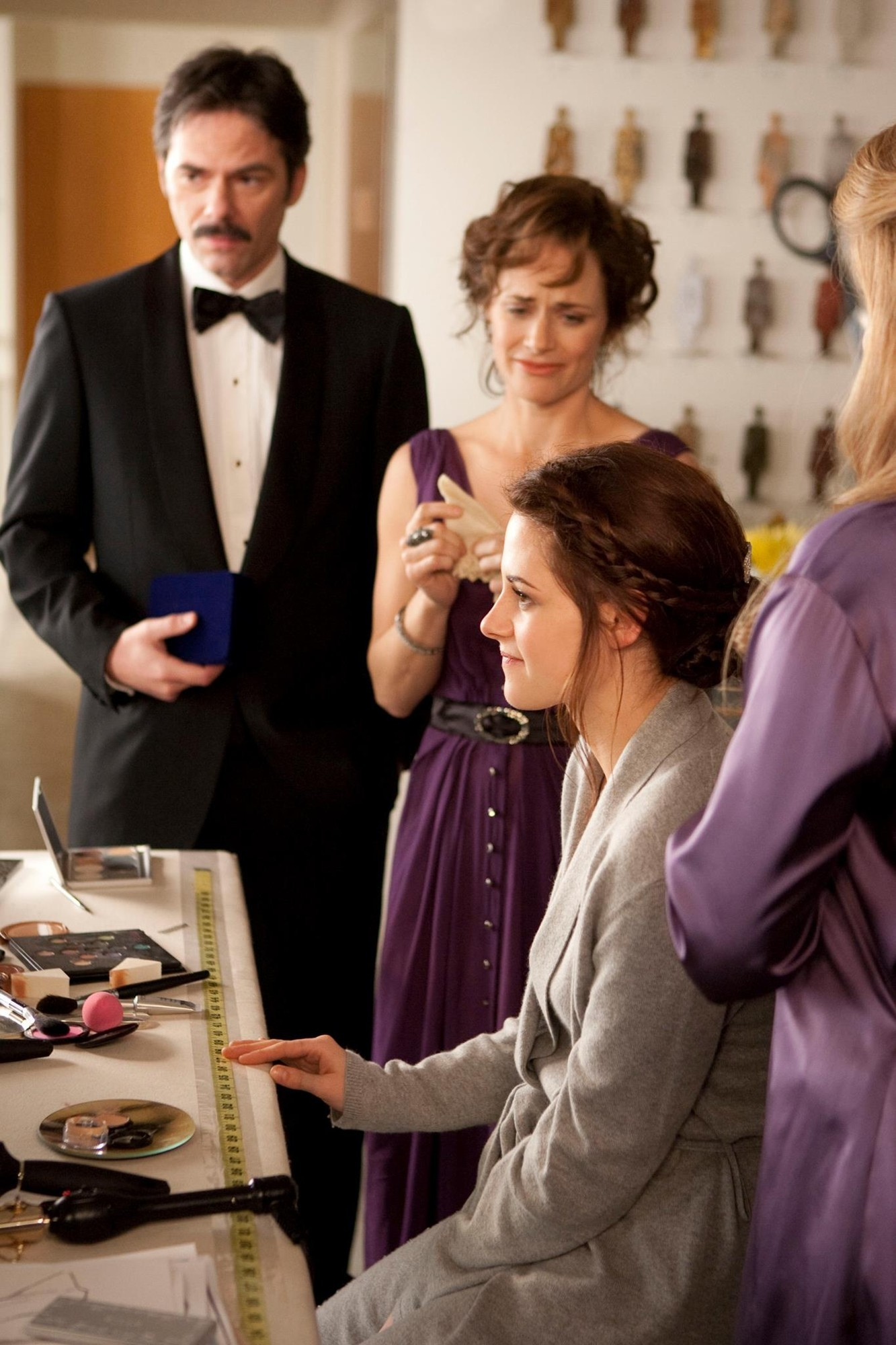 New 'Breaking Dawn I' Clip: Bella Gets Special Gift on Her Wedding Day