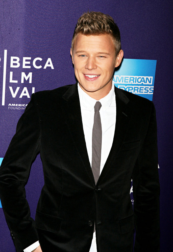 christopher egan home and away